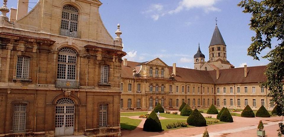 L'Abbaye de Cluny, une immersion grâce la 3D et la réalité augmentée